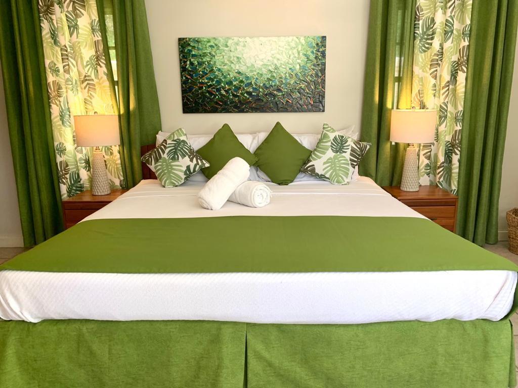 Villa Teak Bedroom 2