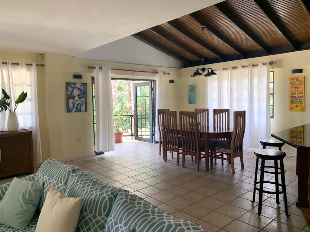 Villa Teak Dinning Area